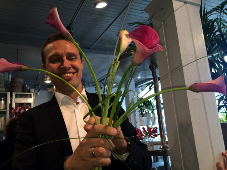 Christian lager blomsterdekorasjon