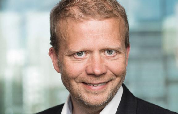 Roald Gulbrandsen (55) ønskes velkommen til NHO Østfold.Han kommer fra stillingen som daglig leder av NHOs Brussel-kontor.