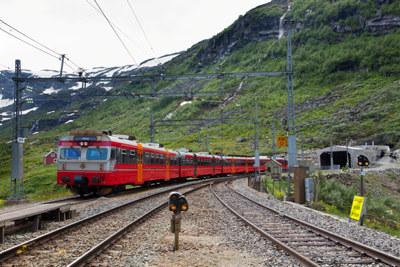 NHO og LO har Vossabanen med blant sine hovedprioriteringer til neste Nasjonal Transportplan, selv om dagens oppslag i Bergens Tidende gir inntrykk av noe annet.