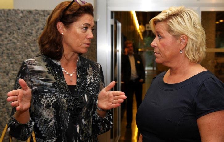 NHO-sjef Kristin Skogen Lund og finansminister Siv Jensen. Forenklingskonferansen 2016. Foto: Tuva Gaarder Nordlie
