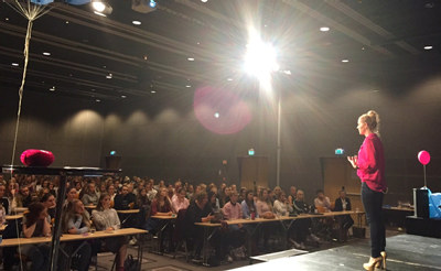 I løpet av to uker har 2700 ungdomsskolejenter fra Kristiansand til Alta møtt unge kvinner som studerer eller jobber med teknologi. Responsen har vært overveldende.