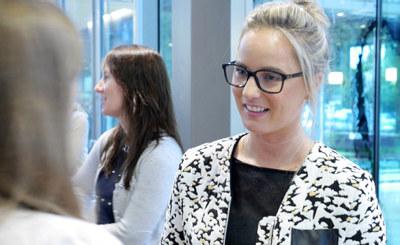Har din bedrift kvinnelige ledertalenter dere vil satse på? NHO søker nå nye deltakere til Female Future-programmet. Søknadsfristen er 8. januar 2017.