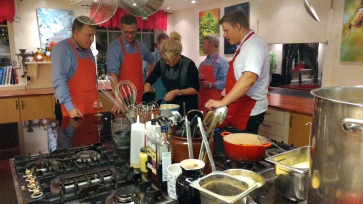 NHO Agders styre og administrasjon diskuterte strategi for 2017 hos medlemsbedriften Hjemme hos Wenche i Arendal.