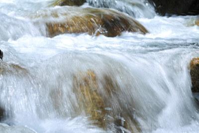 Elv med strømmende vann. Fotograf: SHOSEI/Aflo.