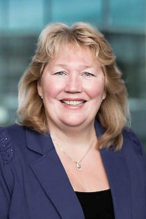 Grete Karin Berg er ny regiondirektør i NHO Buskerud. Hun har lang fartstid i NHO og er nå godt i gang med jobben som regiondirektør.