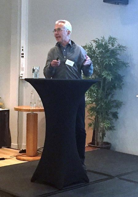 """Økonomiprofessor Jørn Rattsø fra NTNU var tydelig i sin tale til bedriftsledere og stortingspolitikere på Mørebenkkonferansen/Årskonferansen denne uken. """"Fylket og regionreformen er død. Det som betyr noe i fremtiden er byene og hvordan vi klarer å utvikle disse."""""""