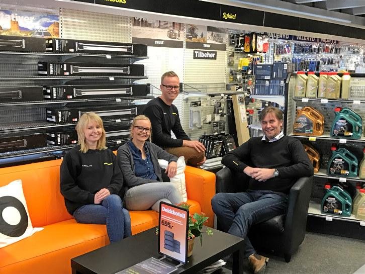 Fra venstre Madelen Due Andersen (lærling), Stina Onsum Berg (markedsansvarlig), Harald Bjølseth (driftssjef) og Jens Petter Markestad (Daglig leder). Fotograf: Ingvild Bergersen