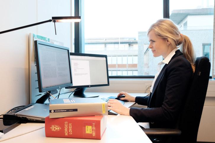 Vi søker en dyktig advokat som kan bistå våre medlemmer i arbeidsrettsspørsmål i form av rådgivning og forhandlinger. Det kreves noen års erfaring fra arbeidsrettsfeltet.