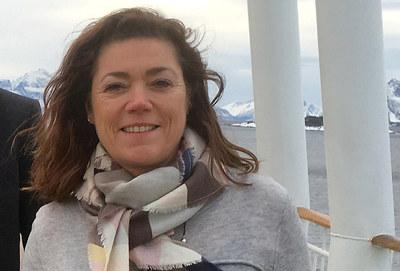 NHO-sjef Kristin Skogen Lund er veldig godt fornøyd med at skatt på norskeide hoteller reduseres. Nå venter hun på at skatten på arbeidende kapital fases ut.