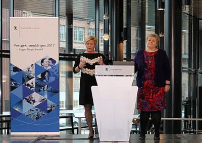 Siv Jensen og Erna Solberg