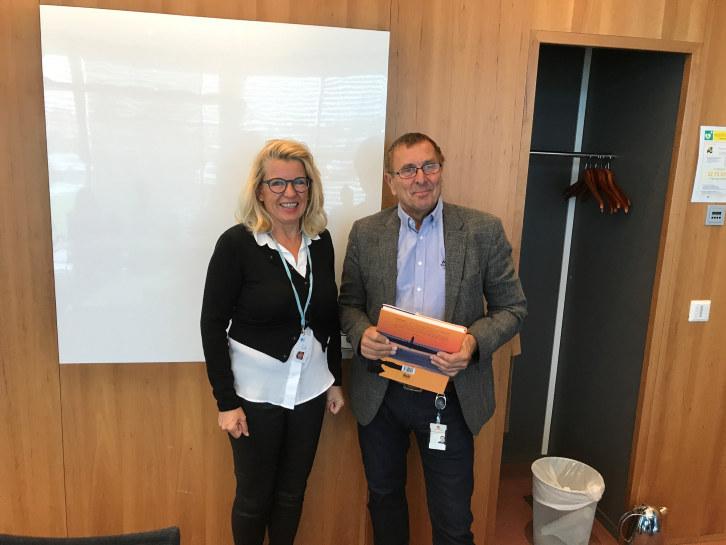 Veisjef Johan Mjåland fikk applaus og varm takk for godt samarbeid av en samlet styringsgruppen i SSL på forrige møte.