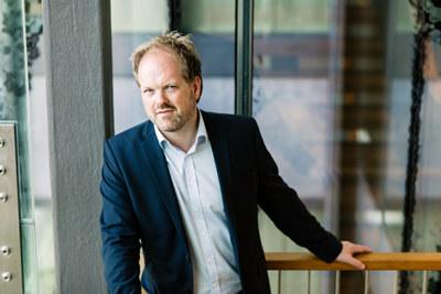 - Skal vi få et kommune-Norge som leverer gode tjenester til innbyggere og bedrifter, kan ikke reformen stoppe med 356 kommuner, sier Per Øyvind Langeland, avdelingsdirektør i NHO.
