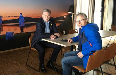 Øyvind Frich og Åge Skinstad på besøk hos Frich