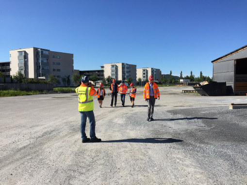 Tempo på veibygging i Trøndelag og Nye Veiers kontraktsmodell stod på timeplanen da samferdselsminister Ketil Solvi-Olsen la ut på turné langs E6 fra Steinkjer til Dombås.