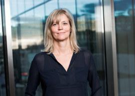 - Den første sommerjobben er viktig for å skape positive holdninger til arbeidslivet, sier NHO-direktør Nina Melsom. Her er syv råd for ansettelse.