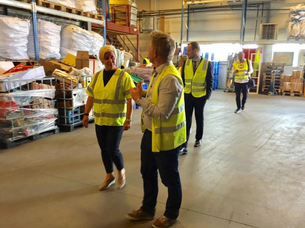 I første halvdel av 2017 har 609 personer kommet i jobb etter et tiltak i Fretex. - Arbeids- og inkluderingsbedriftene over hele landet er den lokale spesialisten, og det må vi bygge videre på, sier daglig leder i Fretex Midt-Norge, Tanja Holmen.