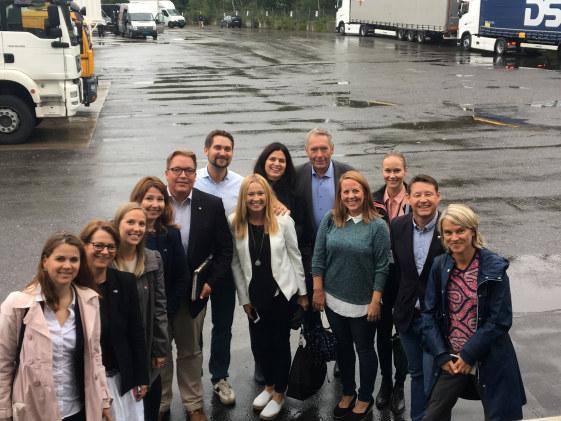 13 stortingskandidater fikk nyttig påfyll og inspirasjon gjennom møte med de tre bedriftene Kolonial.no, Seby Entreprenør og Institutt for Energiteknikk.