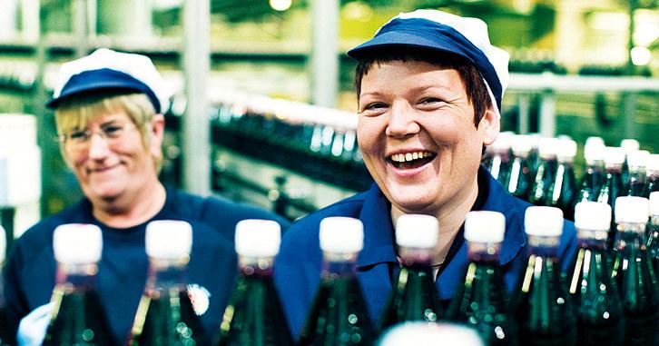 Trine Lerum Hjellhaug er er 4. generasjons leder av Lerum frukt og bær. Foto: Hans Fredrik Asbjørnsen.