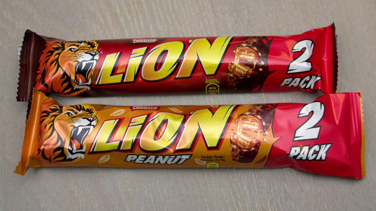 Nærbilde av to Lion-sjokolader
