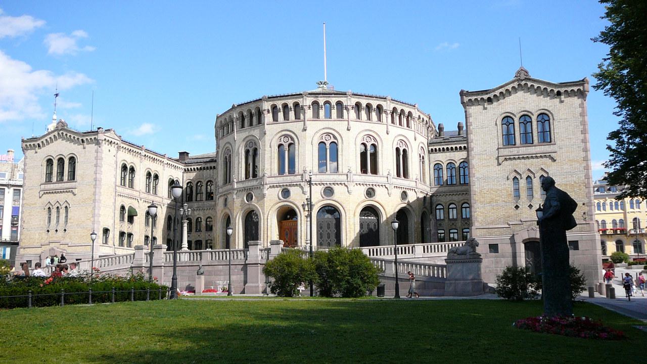 Stortingsbygningen i Oslo.