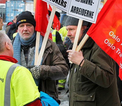 Transportarbeiderne varslet for sent. LO ber demtrekkeoppfordringenom å delta på den politiske streiken onsdag.