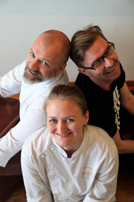 Pål Lidal, Gard Haugland og Therese Skare ved Bien på Fana Golfklubb.
