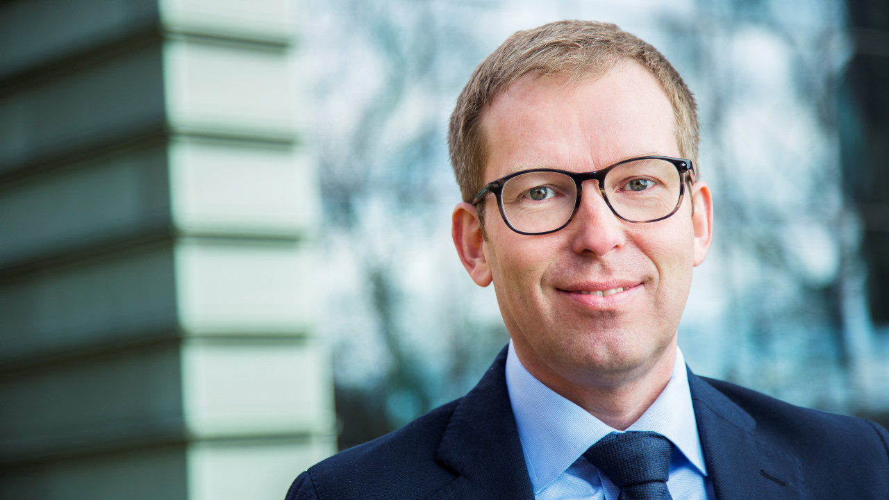 Portrett av administrerende direktør Håkon Haugli i Abelia. Foto: Esben Johansen