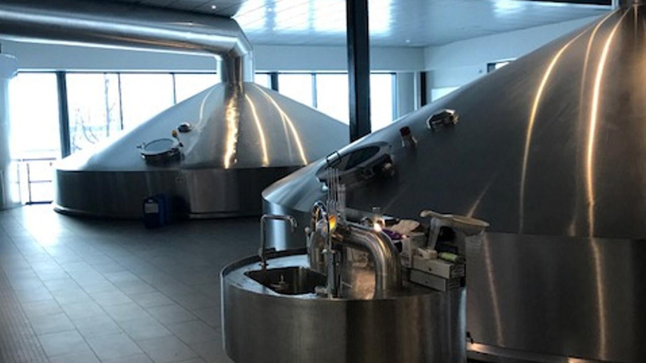 Diverse maskiner som benyttes i brygging av drikkvarer.