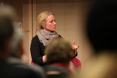 Arbeids- og sosialminister Anniken Hauglie varsler lovforslag som er ment å sikre flere kvinner heltidsjobb.