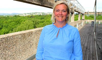 Tone Grindland (42) blir ny regiondirektør for NHO Rogaland. Hun kommer fra stillingen som næringssjef i Stavanger kommune og har tidligere jobbet for Greater Stavanger og Stavangerregionens Europakontor i Brussel og i Rogaland.