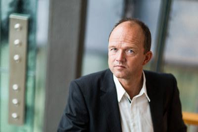 - Vi trenger en kraftansamling for å øke kunnskapen om EØS og Europa, sier NHO-direktør Ole Erik Almlid, som tror Regjeringens nye Europa-strategi er et godt utgangspunkt.