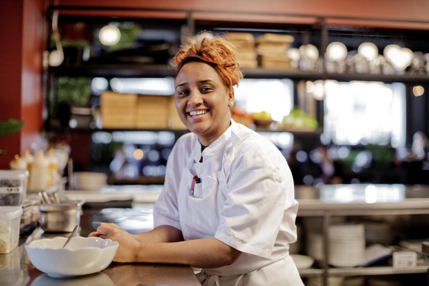 Lærling Ergalem og restaurantsjef Isabella Tozzi