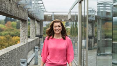 NAV og NHO skal samarbeide for å få flere som står utenfor arbeidslivet ut i jobb ved å bruke konseptet til NHO-prosjektet Ringer i Vannet. – Dette er en vinn-vinn-situasjon, sier Kristin Skogen Lund.