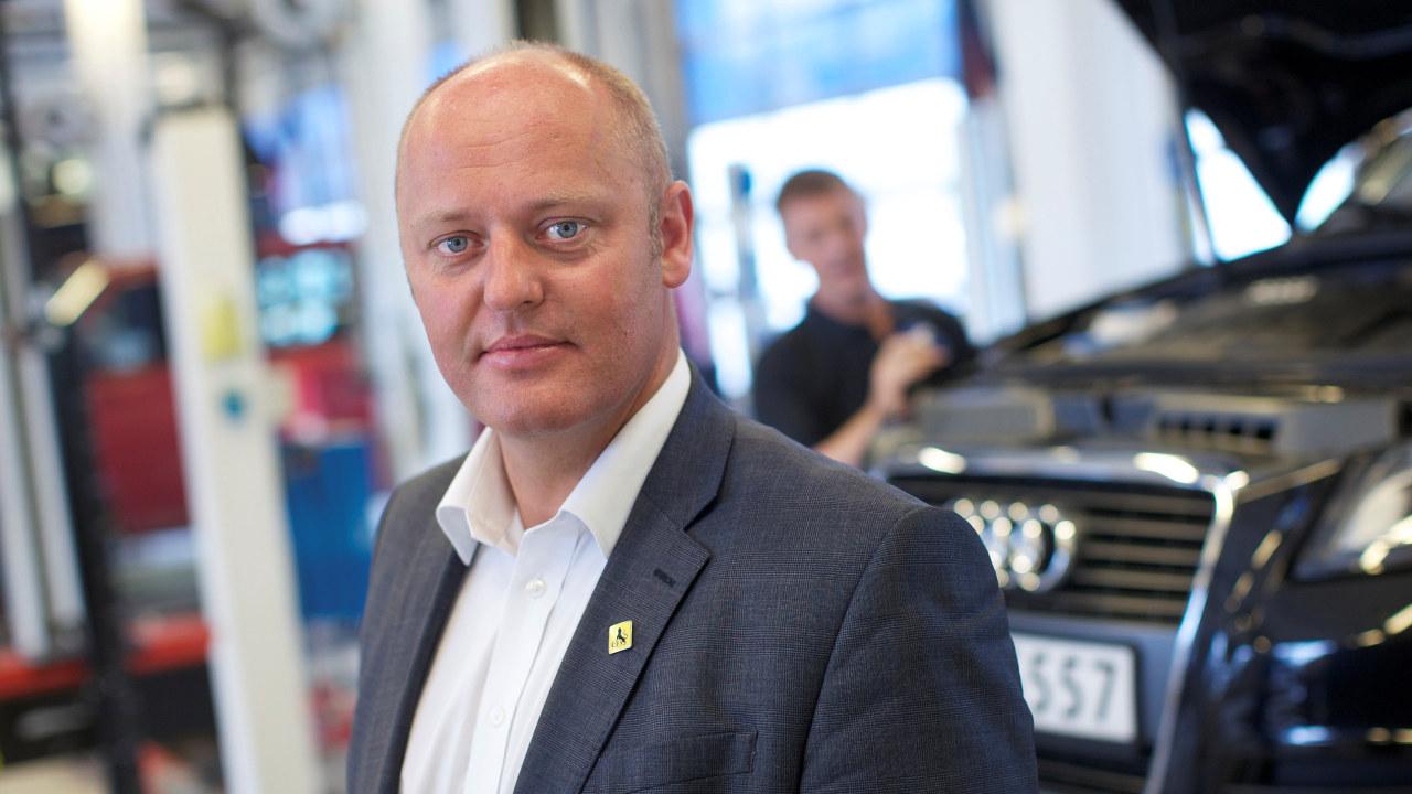 Portrett av administrerende direktør Stig Skjøstad i Norges Automobil-Forbund.
