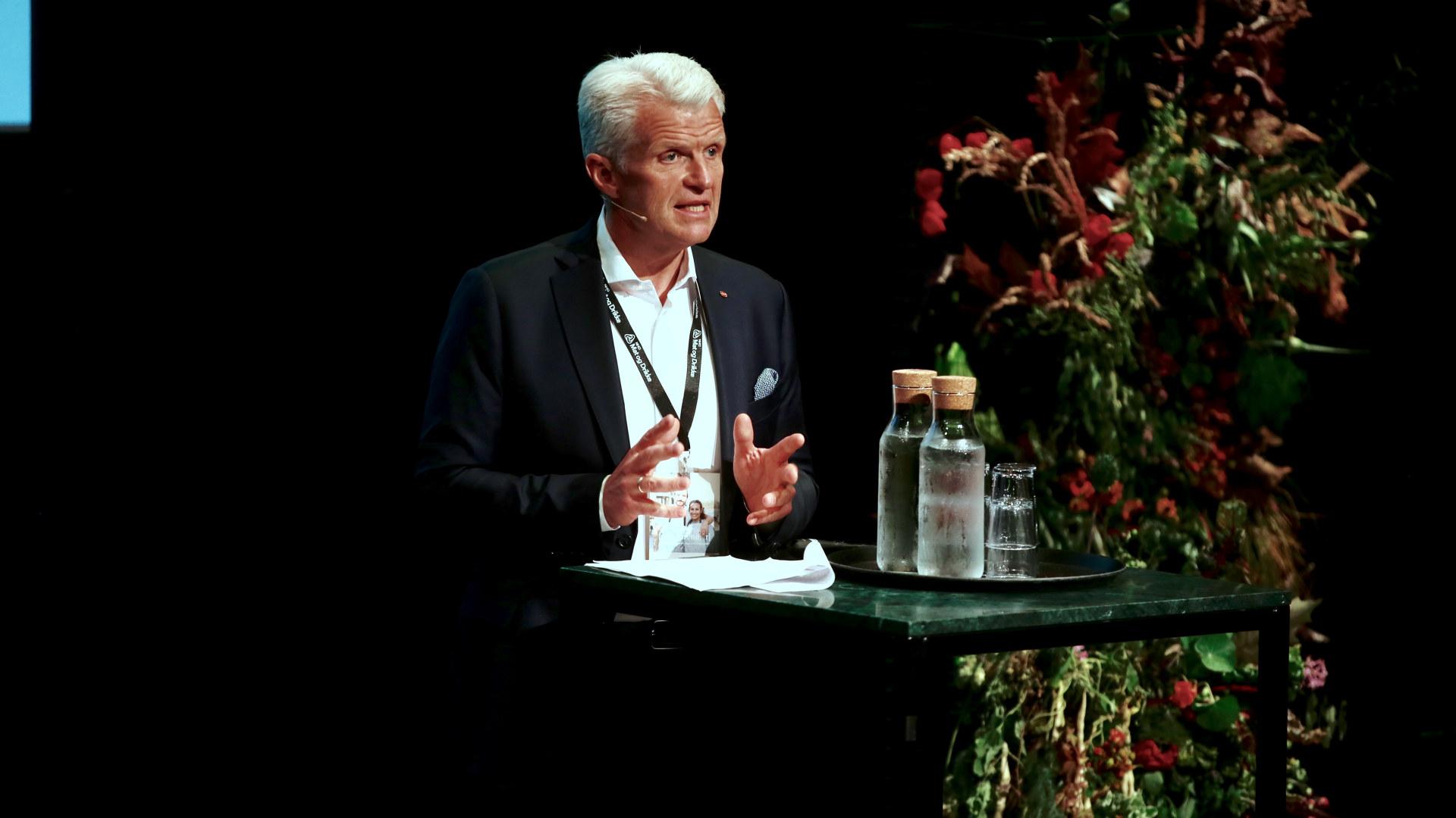 Erik Volden på scenen