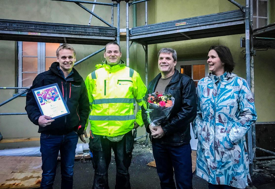 Fra venstre: Daglig leder i Smørholm AS, Bjarne Smørholm - nyansatt Thomas - næringslivskontakt i Astero, Arvid Sørli og NAV-veileder, Lucia Grell.