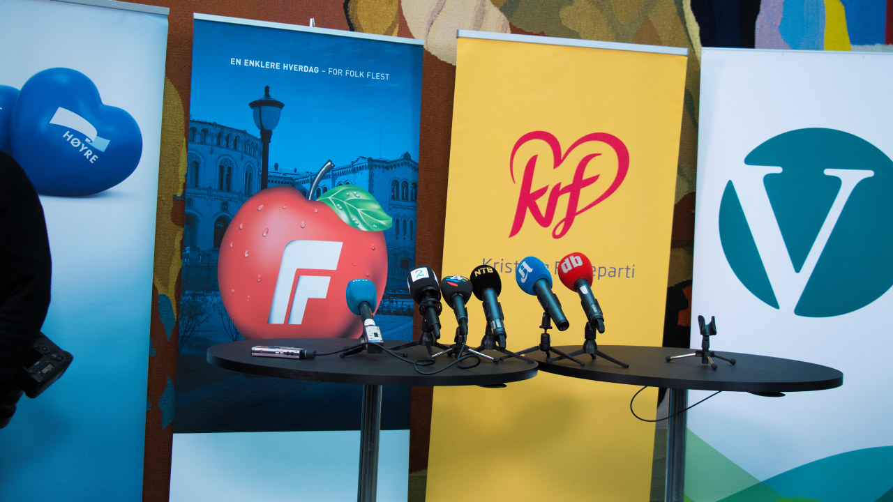 Illustrasjonsfoto fra pressekonferanse mellom H, Frp, V og KrF.
