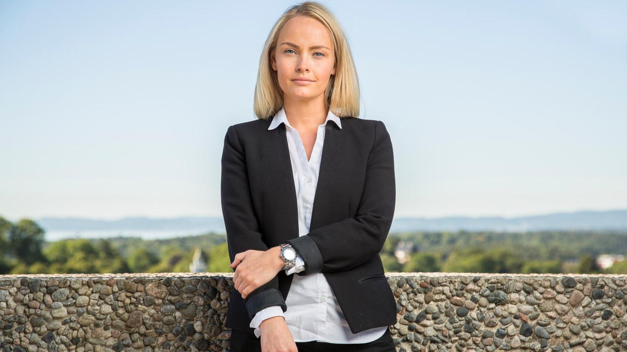 Portrettfoto av Ingrid Somdal-Åmodt Vinje, rådgiver i Abelia