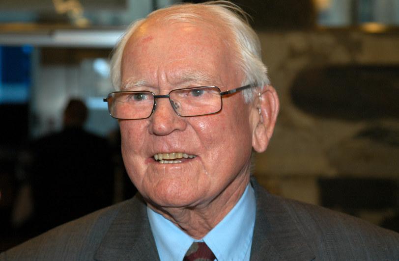 NHOs første president, Ragnar Halvorsen, er død.