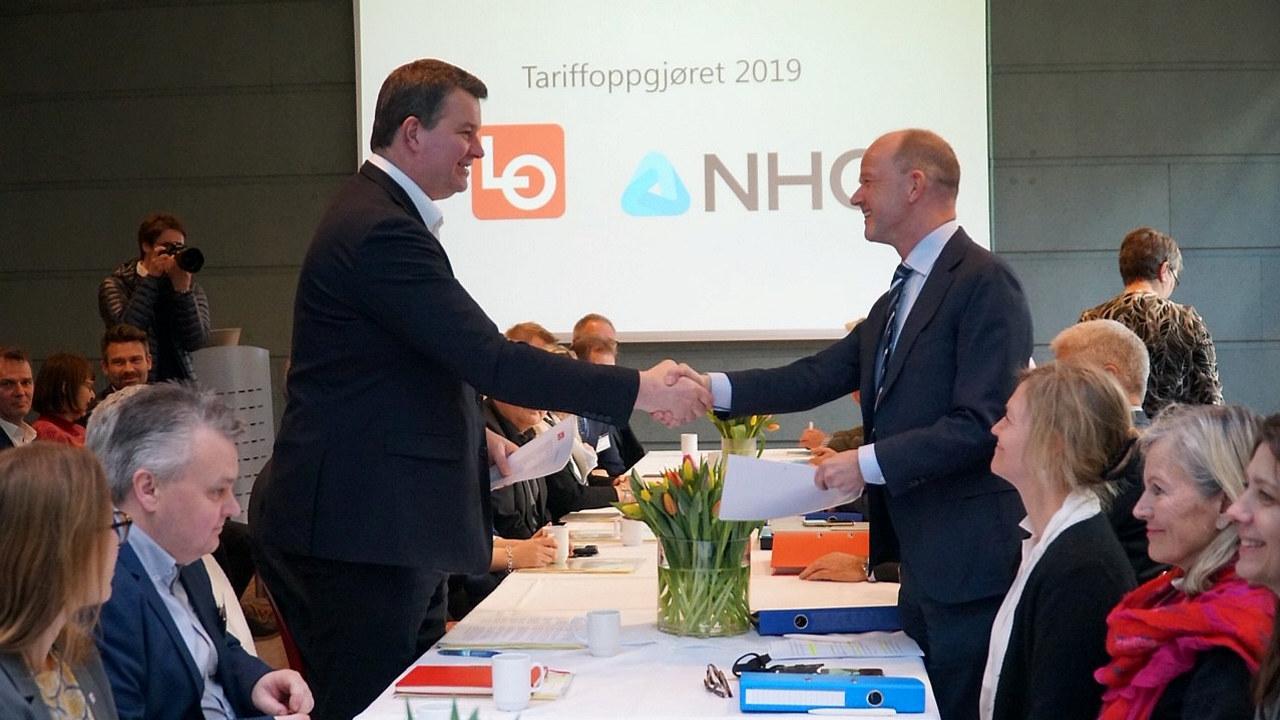 Ole Erik Almlid og Hans-Christian Gabrielsen. Kravoverlevering 2019