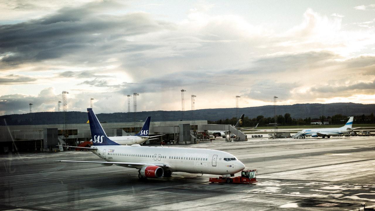 Flyplass, parkerte SAS-fly