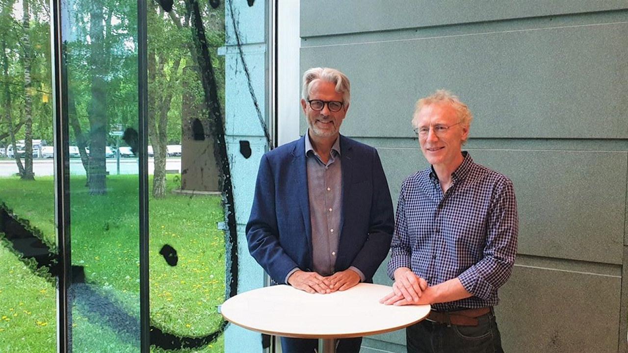 Sandnes og Krogstad signerte avtalen onsdag
