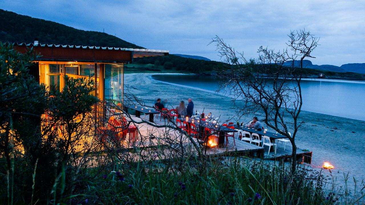 Stokkøya sjøsenter, kveldsstemning