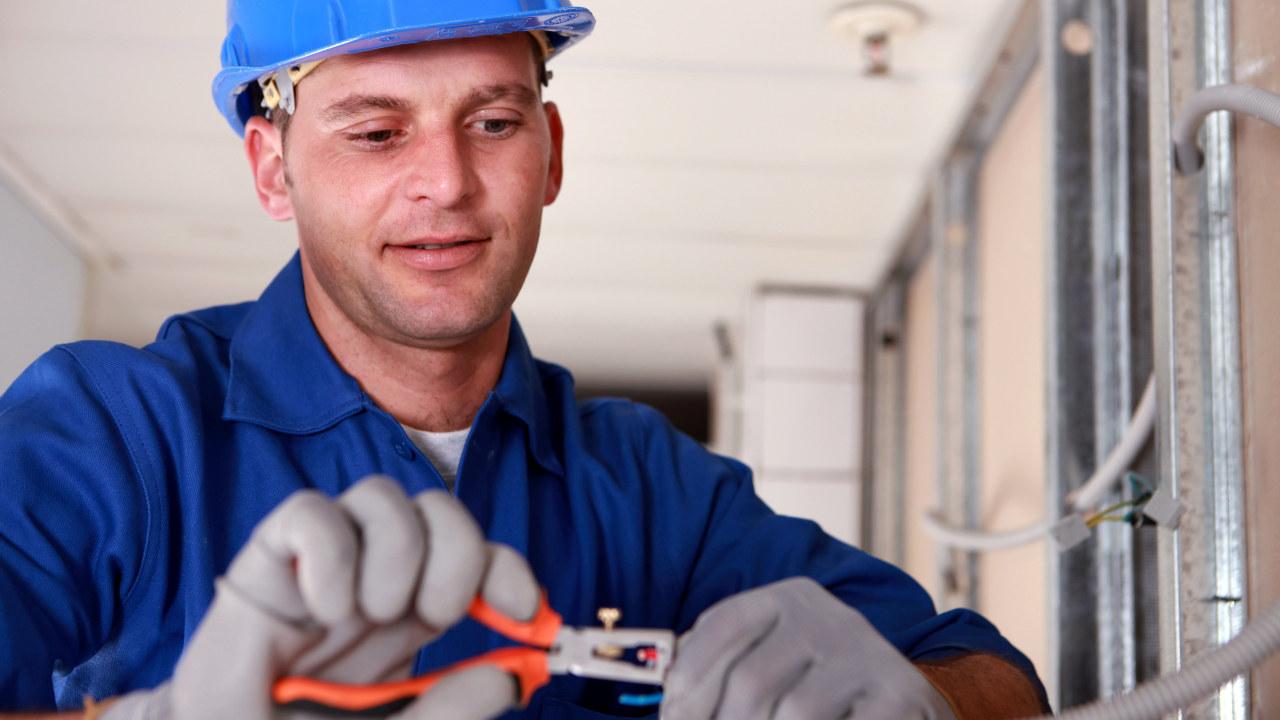 elektriker kutter ledning