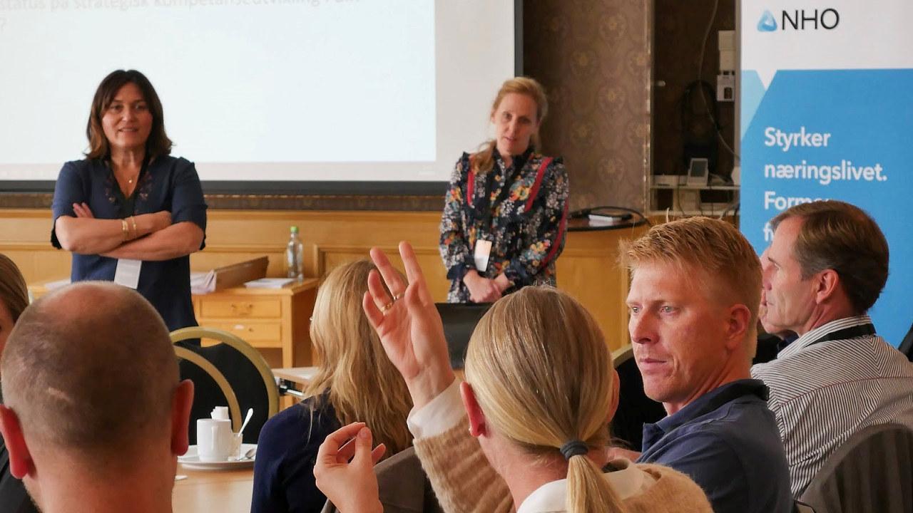Workshop i regi av Monica Hammer og Sarah Gordon fra Finn.no.