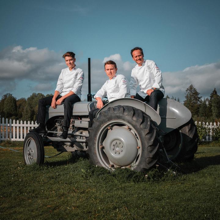 Team Aron Årets unge kokk 2019. Kandidat Aron Espeland, commis Andreas Fjellheim og Coach Pål Suarez