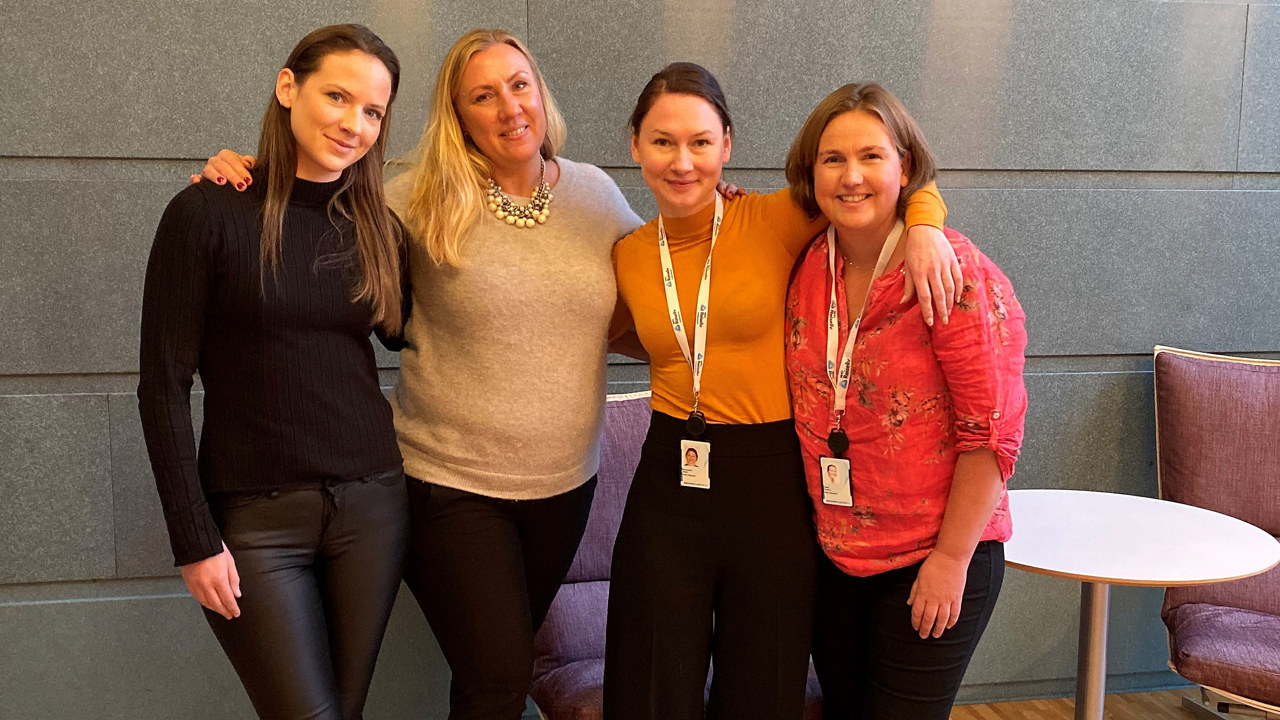 Bilde av Sanne Horup, Helena Willumsen, Alexandra Buan og Helle Kernen, tatt ved signeringen av avtalen