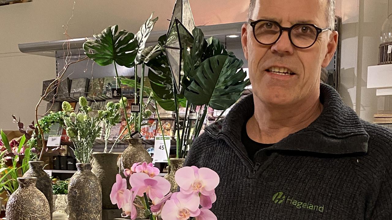 Mann men blomster
