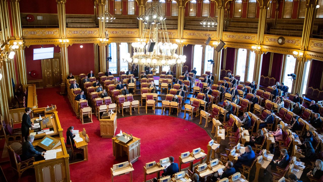Stortingets finanskomité presenterte i dag nye krisetiltak i forbindelse med koronautbruddet. Foto: Stortinget