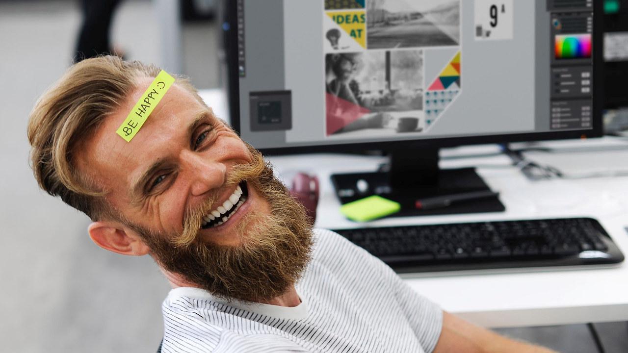 Glad mann på jobb